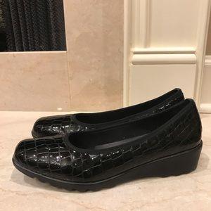 Josef Seibel Black Patent Croc Wedge fits like a 9
